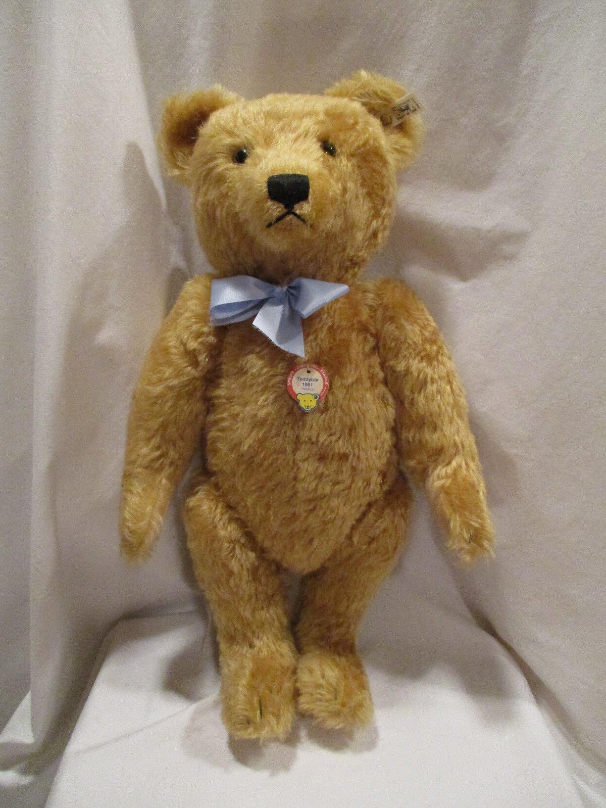 Steiff Teddy Bear Replica 1959 EAN 408434 with Box and COA