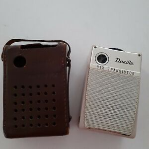 Vintage DEVILLE SIX transistor radio with carry case