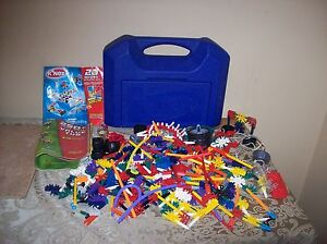 K'NEX BUILDING SET WITH CARRY BOX AND TWO BUILDING PAMPHLETS