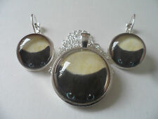 Peeping Cat Pendant Necklace with matching Leverback Earrings,Cameo Jewellery