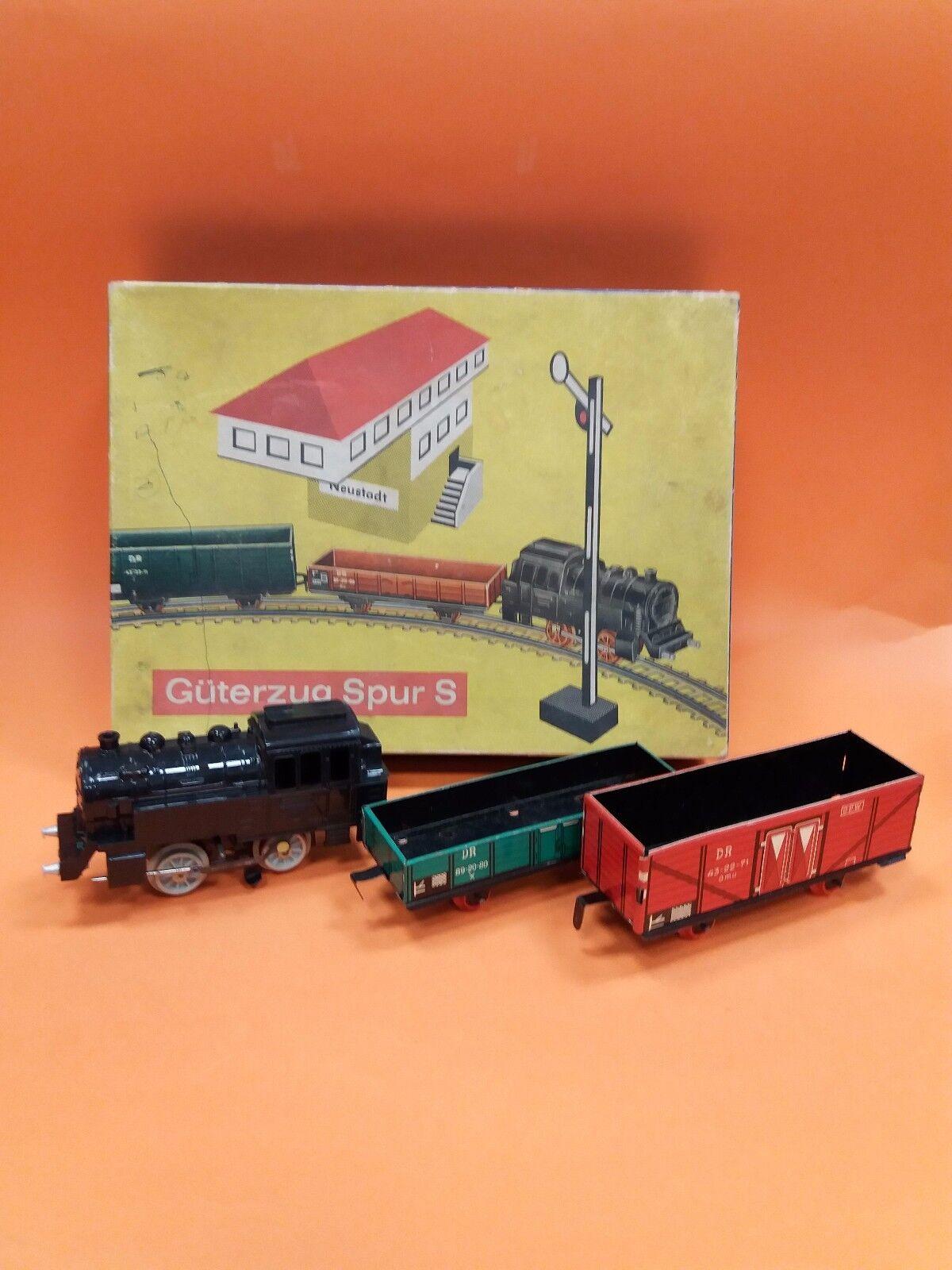 VINTAGE OLD RARE BAKELITE   TIN WIND-UP GERMAN GOODS TRAIN SET TOY + BOX