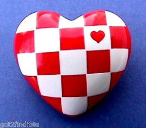 Hallmark-PIN-Valentines-Vintage-HEART-Checkerboard-RED-WHITE-Holiday-Brooch