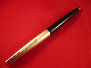 VINTAGE-PLATINUM-P66-100-SILVER-amp-BLACK-COLOUR-FOUNTAIN-PEN-14k-GOLD-NIB-JAPAN