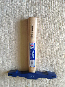 Hickory-Double-Scutch-22oz-Hammer-Stone-Carving
