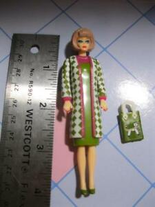 POODLE-PARADE-Barbie-4-034-TALL-MINI-Jointed-ARMS-Plastic-DOLL-GREEN-DRESS-PURSE