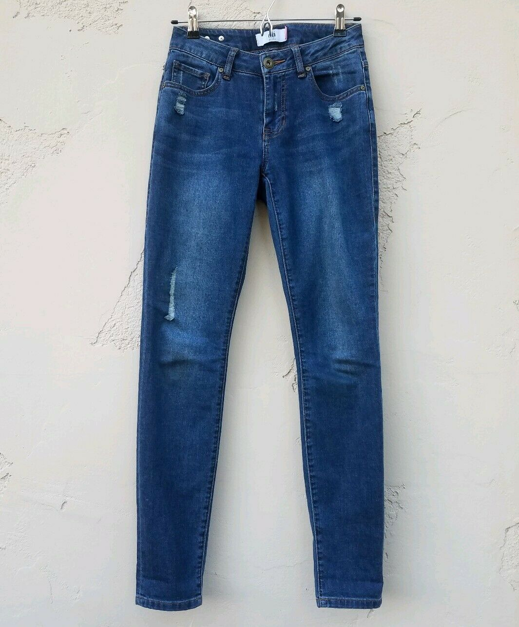 Cabi Womens Distressed Destructed Curvy Skinny bluee Denim Jeans Pants Size 2