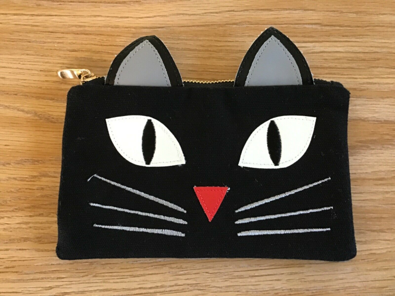 """Spencer Cat Face Wallet With inside Pockets and Zipper 8""""x 5"""""""