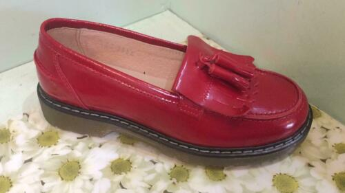 Petasil Childrens Girls Clue Leather Tassel Loafer Red Patent