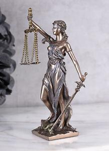 Justitia-Figur-Goettin-der-Gerechtigkeit-Jugendstil-Skulptur-Mythologie-Kanzlei