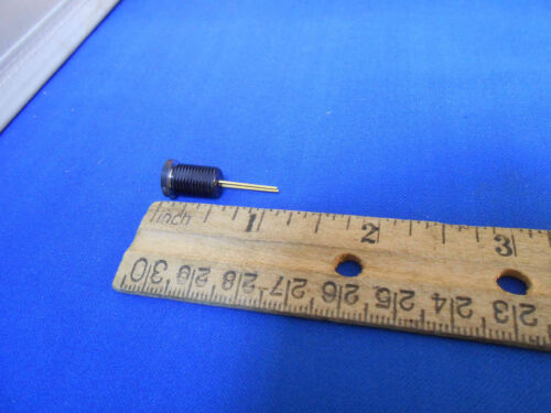 M19500//520-02   AMBER LIGHT EMITTING DIODE   NEW OLD STOCK