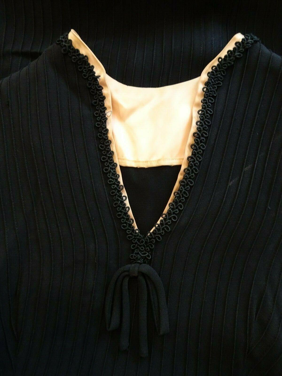 Vintage 40's Women's Dress, Sans Belt - image 9