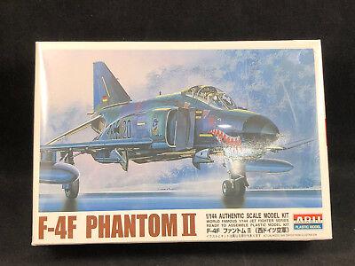 MagiDeal Plastic F-4 Fighter Phantom II Military Airplane Plane Model 1//144