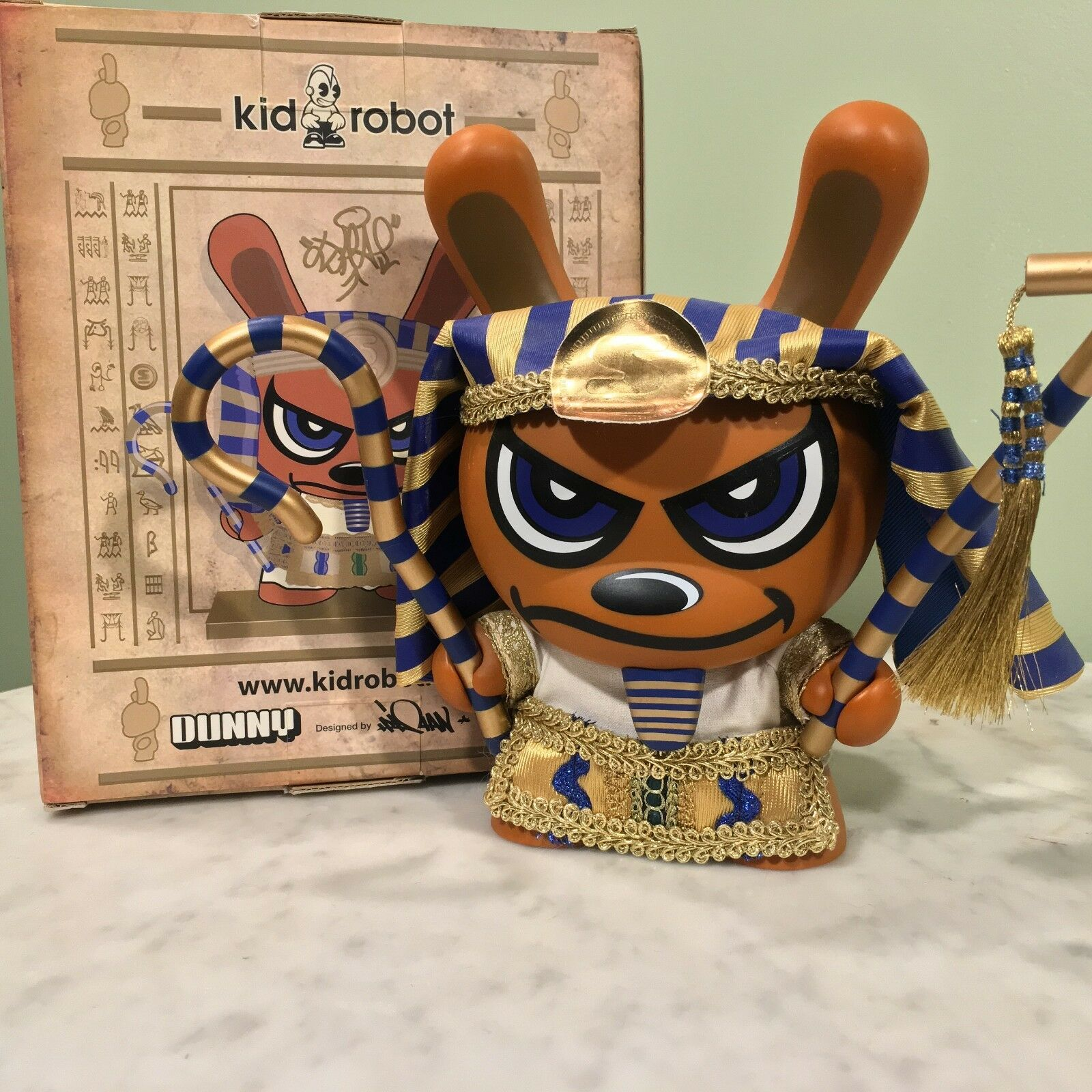 Kidrobot 8  Dunny - 2005 or King Tut par Sket One RARE