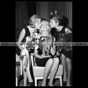 phs-005445-Photo-ELLEN-CRAAMER-VERA-LYNN-amp-CORNELIA-FROBOESS-CONNY-1962-Star