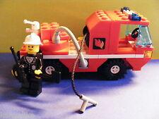 Lego--Feuerwehrauto--Mit Figur--Feuerwehrmann mit Zubehör--