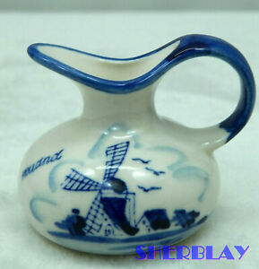 Vintage-DELFT-Blue-And-White-Hand-Painted-Windmill-Mini-Creamer-Made-in-Holland