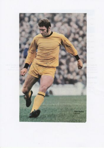 MIKE BAILEY WOLVERHAMPTON WANDERERS 19661977 ORIGINAL SIGNED ANNUAL CUTTING