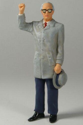 La fábrica de figuras 180046 Erich-figura 1:18