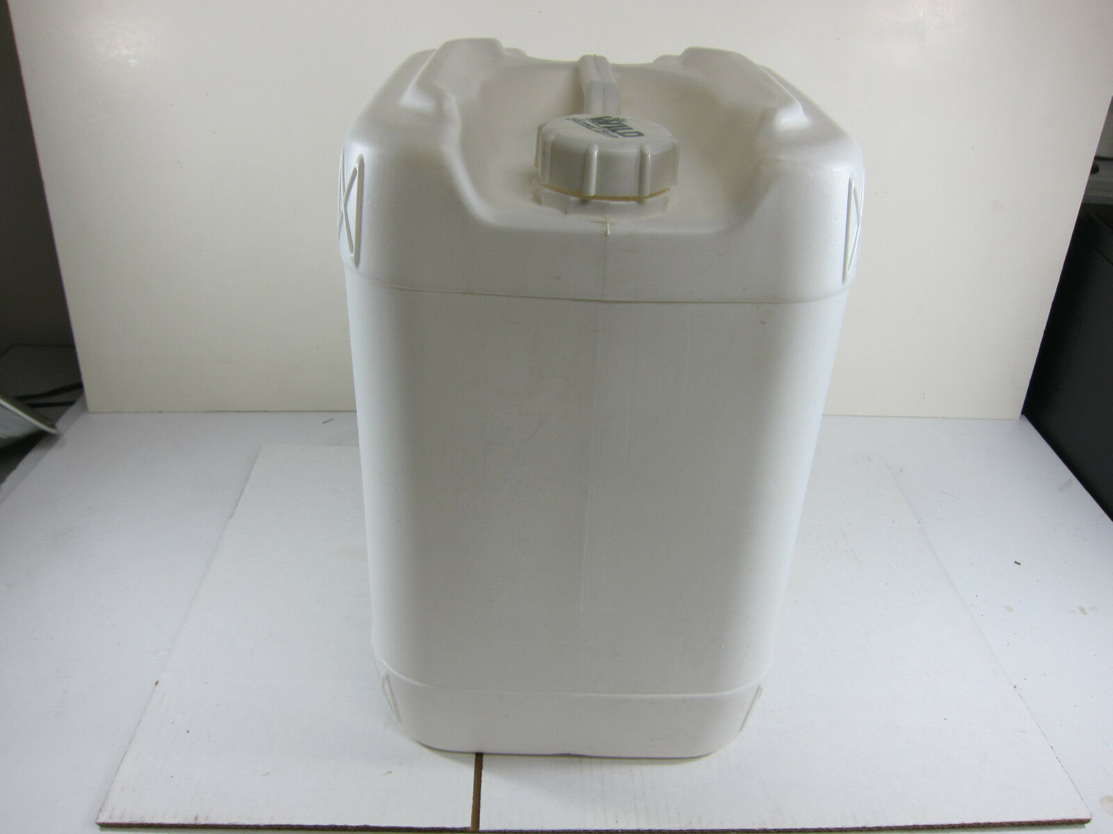4 to 5 Gallon Weiß Plastic Food Grade Water Storage Container w Cap Lot 4 Used