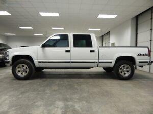 2000-Chevrolet-C-K-Pickup-2500