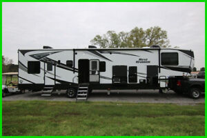 2019 Heartland Road Warrior RW 392 Toy Hauler RV King Bed 42'
