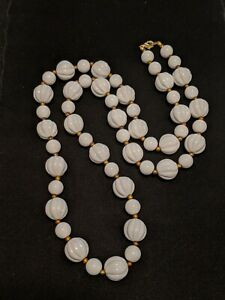 Vintage-White-Gold-Tone-Textured-Round-Bead-Long-Acrylic-Necklace