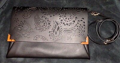 H&M Handtasche Clutch Lochmuster NEU