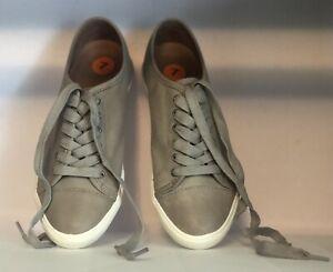 Frye Casual Gray Women's Sneaker. Size