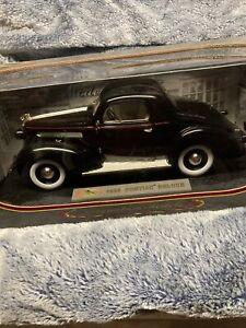 Nice 1:18 Scale Black 1936 PONTIAC DELUXE 2 DOOR COUPE Diecast By Signature