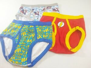 6-7 Years Superman Official DC Comics Boys Boxer Shorts /& Socks Gift Set