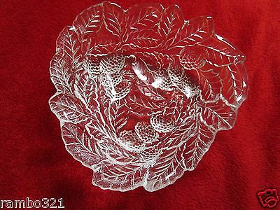 Elegant Ornate Beautiful Glass Candy Dish Indiana Glass Bowl Grapes & leaf