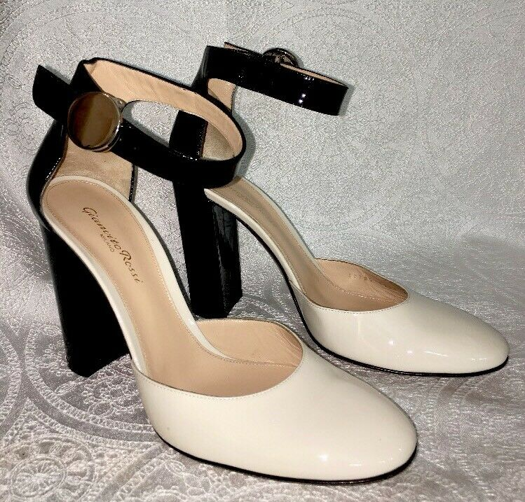 Gianvito Rossi shoes Bone And Black Patent Leather Ankle Strap Size 40 1 2
