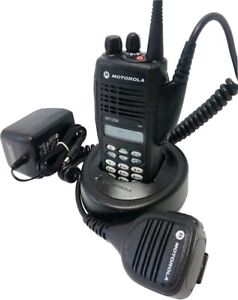 Motorola-HT1250-VHF-Two-Way-Radio-136-174-MHz-128Ch-MDC-QuikCall-AAH25KDH9AA6AN