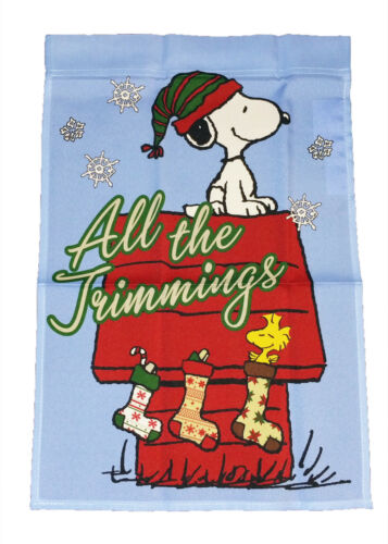 """PEANUTS ON DOGHOUSE CHRISTMAS ALL THE TRIMMINGS MINI FLAG~12/"""" x 18/""""~NEW"""