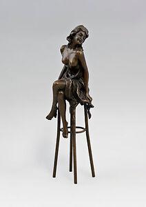 Skulptur-Bronze-Figur-Frau-auf-Hocker-mit-Tuch-Collinet-9973202-ds