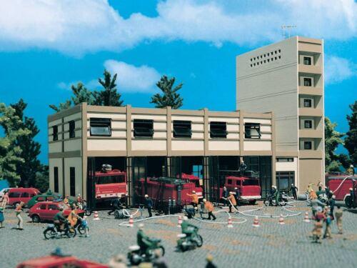 Vollmer 43759 H0 Städtischer Feuerwehrstützpunkt fünfständig