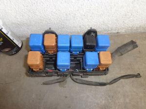 relay fuse box 3 5 v6 nissan pathfinder 99 00 01 02 03 04 ebay rh ebay com