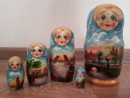 5 Pcs Russian Hand Painted Wooden Dolls Nesting Matryoshka 17cm Nice Gift
