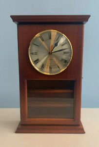 Golf-Ball-Display-Mantel-Clock-Cherry-Wood-Battery-Operated-17-Tall-Preowned