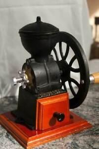 Hand-Crank-Wheel-Manual-Cast-Iron-Coffee-Bean-Grinder-Mill-Antique-Vintage-Burr