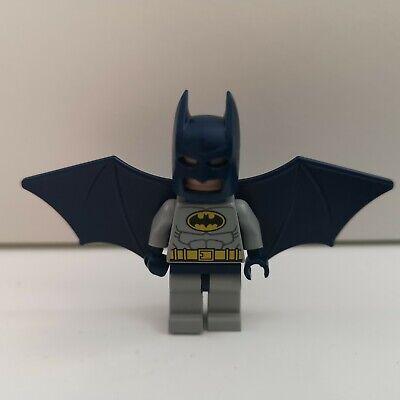 Batman bat024 Lego Superhero Genuine Minifigure Dark Grey with Cape