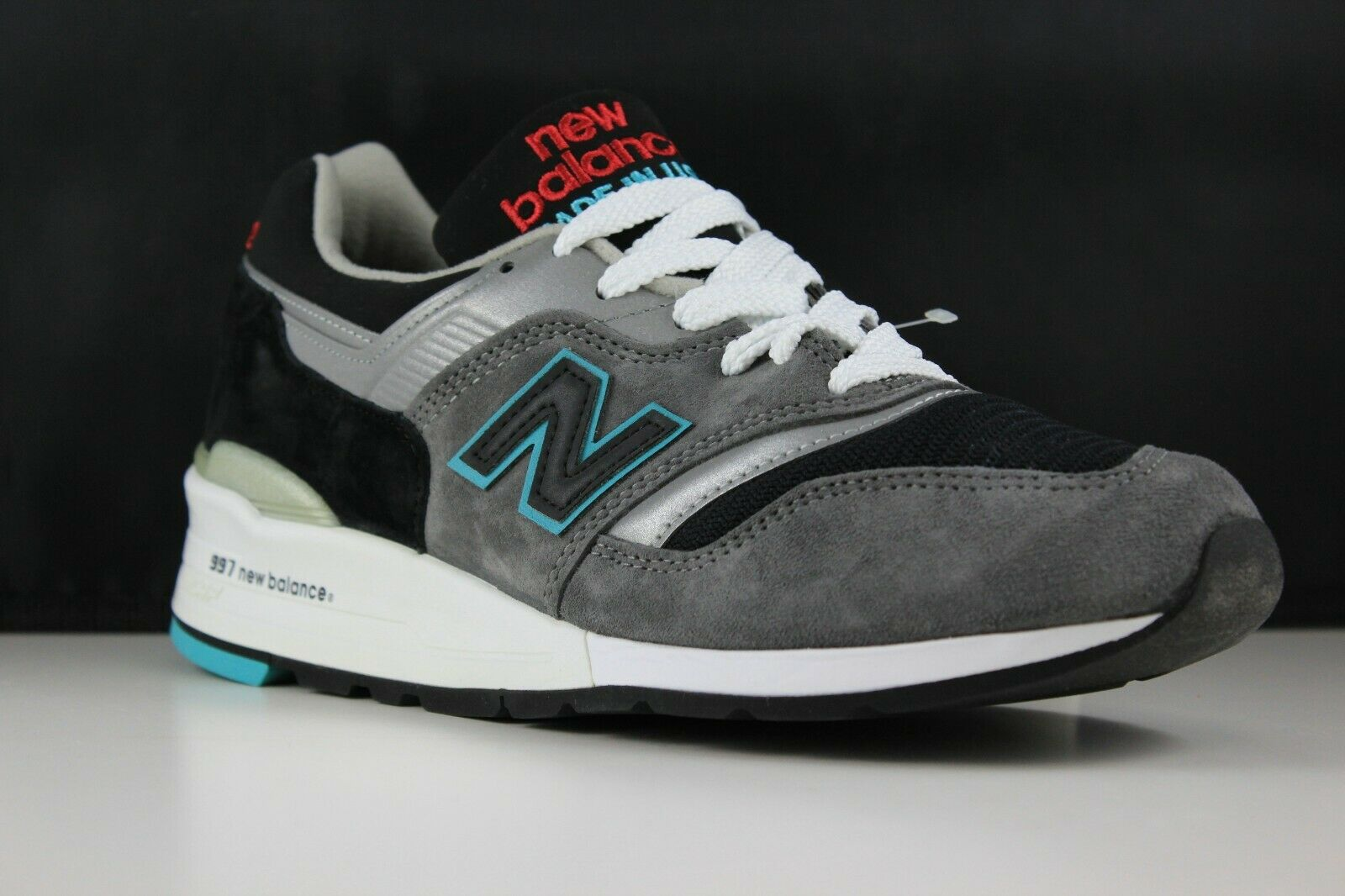 New Balance Size 9.5 Mens Grey M997CGB