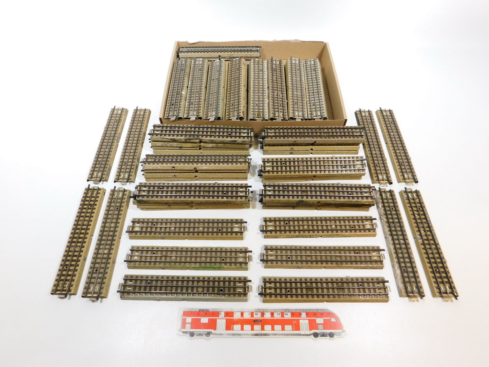 Ch165  93x marklin h000ac pezzo di binarioMBinario per 3600800 cava profilo, 2. scelta