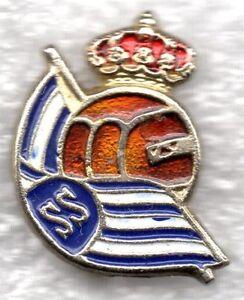 REAL-SOCIEDAD-S-SEBASTIAN-FUTBOL-INSIGNIA-PIN-BADGE-vendima-los-anos-cincuenta