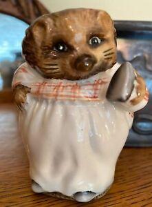 Beswick-England-Beatrix-Potter-Mrs-Tiggy-Winkle-F-Warne-1948