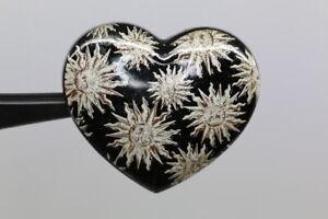 Hermoso-adorno-corazon-con-muchos-solar-probablemente-a-partir-de-2010