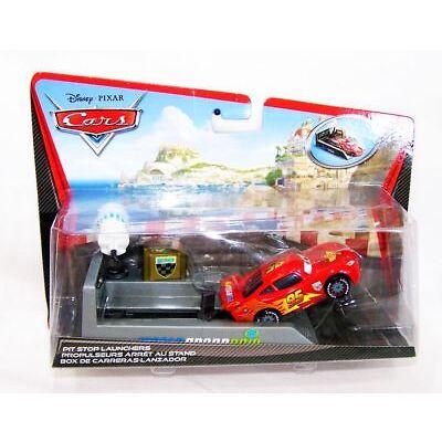 Disney Pixar Cars 2 Lightning McQueen Pit Stop 1:55 Autos Modellauto Neu OVP