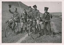 MAROC c. 1950  - Hommes E.M  Militaires  Vélo  Rabat  - P 1459
