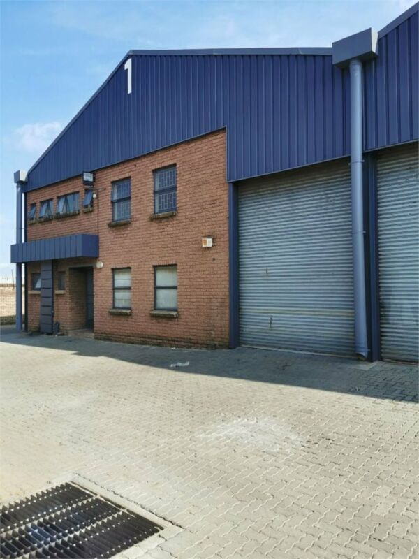 REDUCED PRICE:  Warehouse in Silverton - 319m2