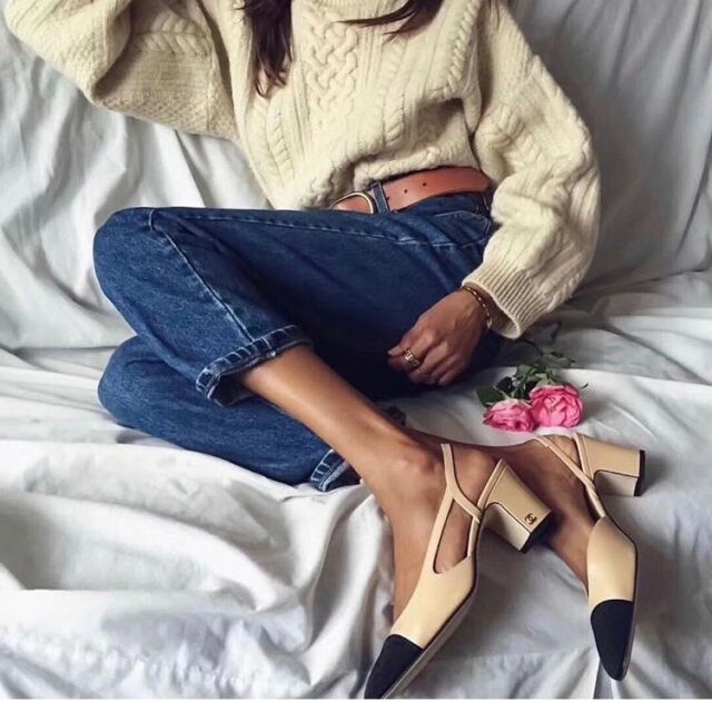 TIMELESS CLASSIC CHANEL Two-Tone Beige Black Leather Slingbacks Shoes Pump 39